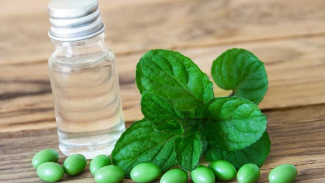 Peppermint Oil for nail fungus treatment