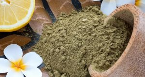 treating nail fungus with henna