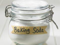 Baking Soda and Vinegar Soak for nail fungus