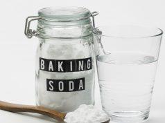 treating nail fungus with Baking Soda and Vinegar Soak